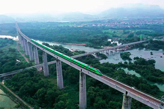 金台铁路开通运营