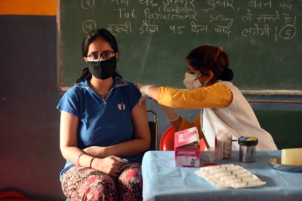印媒:印度新冠疫苗不平等加剧 乡村民众面临健康威胁