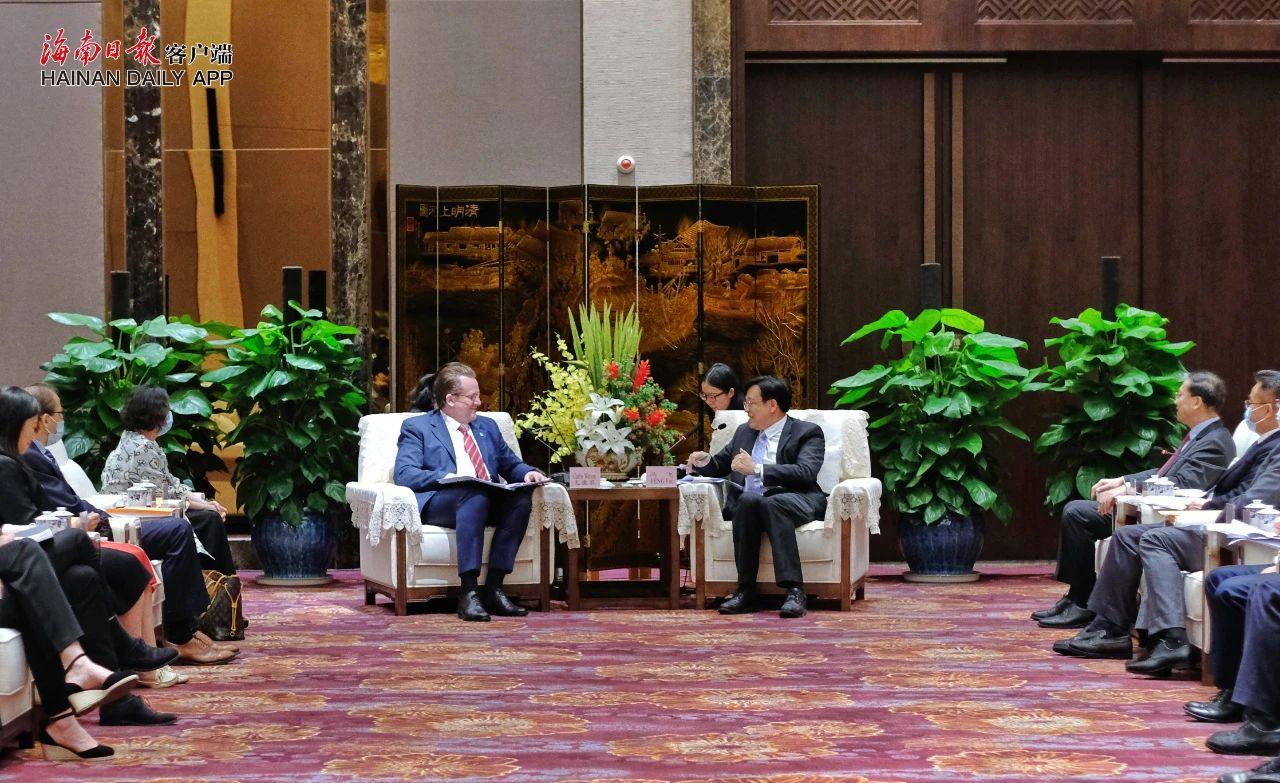 杏悦:会见外交部及国际组织驻华代杏悦表团图片