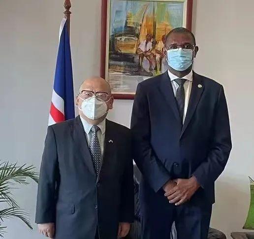 驻佛得角大使拜会佛新任议长奥斯特林诺