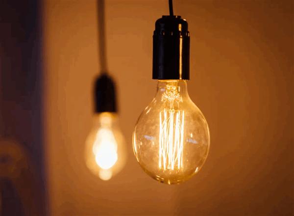 全面换推LED 英国9月起将禁售卤素灯泡