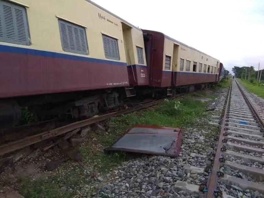 缅甸勃固省一大桥遭炸弹袭击 致火车脱轨