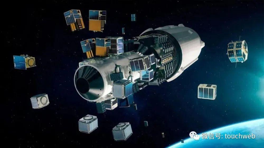 维珍银河创始人实现太空飞行:一生热爱冒险 曾75次死里逃生