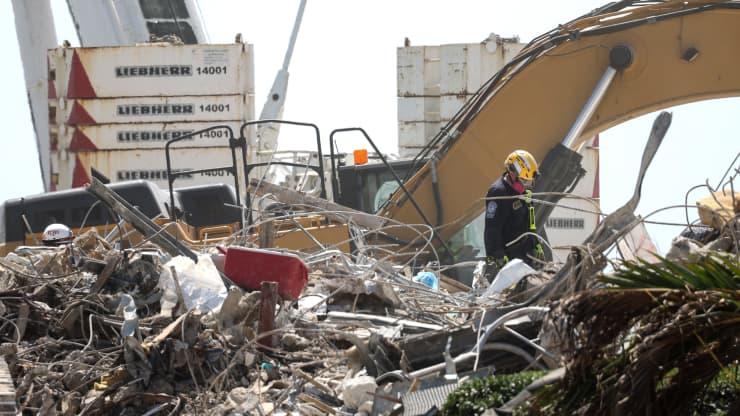 美国佛罗里达州公寓楼倒塌事故死亡人数上升至94人