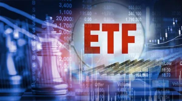 """最锋利的""""矛""""来了 首批双创ETF今日上市 能否跑出十倍行情?顶流基金大佬独家解读"""