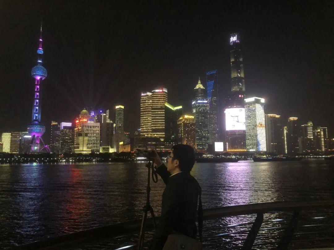 浦江主题光影秀幕后:复旦团队用灯光讲好百年大党、光荣之城的故事