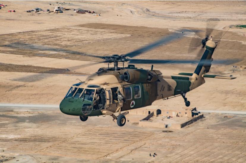 """与塔利班对抗之际 阿政府军即将从美国获7架""""黑鹰"""""""