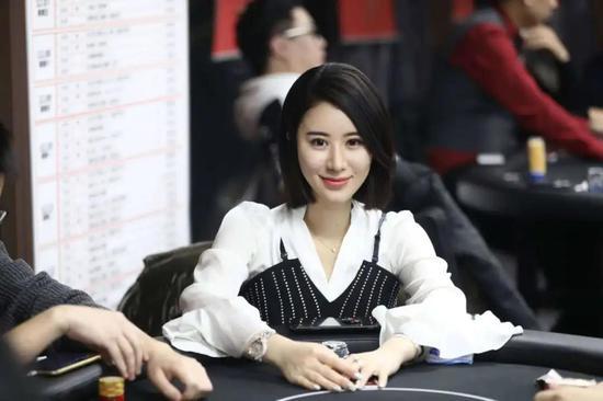 国人牌手 驰骋商界女牌手张晨旭:扑克之路的起点