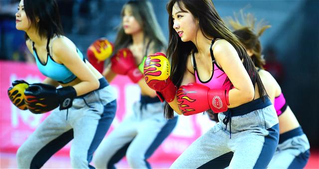 广东啦啦队拳击舞助威广东德比