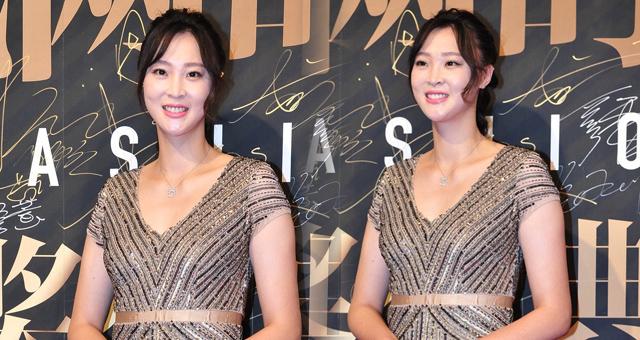 惠若琪出席时尚盛典 优雅长裙婀娜妩媚