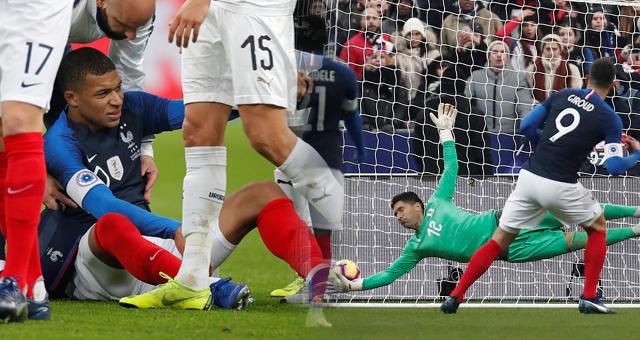 [友谊赛]法国1-0乌拉圭 姆巴佩伤退