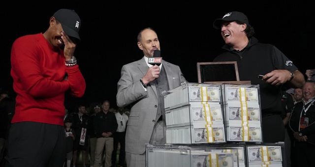 米克尔森战胜伍兹独赢900万美元