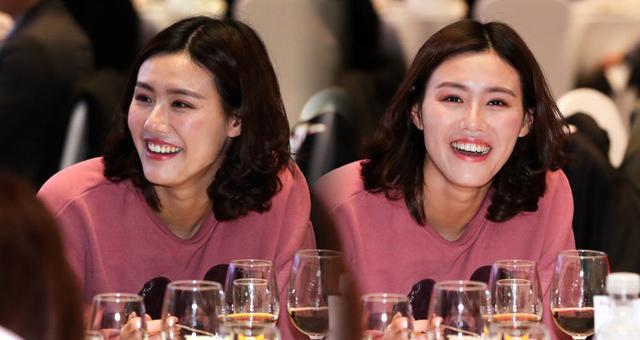 游泳女神刘湘出席世锦赛闭幕晚宴