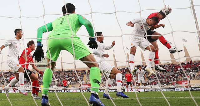亚洲杯-中国0-2不敌韩国 小组第二出线