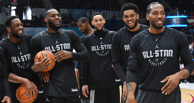 NBA全明星赛前众星热身 詹姆斯成焦点