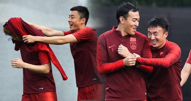 国足中国杯赛前最后一练 轻松面对泰国