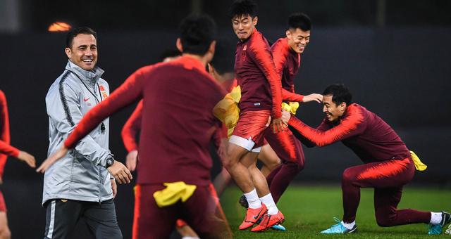 国足备战中国杯卡帅安排做游戏