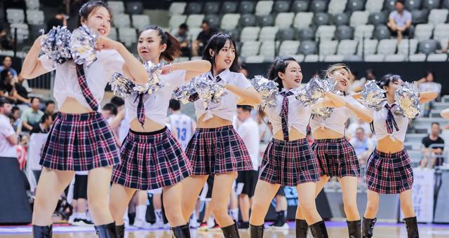 CBA夏季联赛拉拉队美女热舞