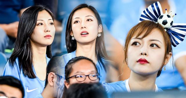 中超第22轮女球迷倩影 大连女球迷惊艳看台