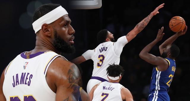 [NBA季前赛]湖人126-93胜勇士 詹姆斯18+11