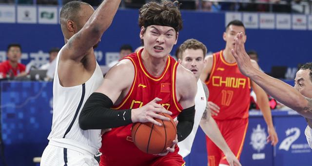 [军运男篮]王哲林27+10 中国大胜美国