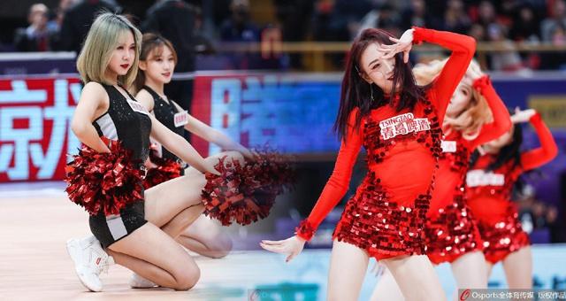 CBA北京勇士啦啦队赛场热舞回顾:激情舞姿
