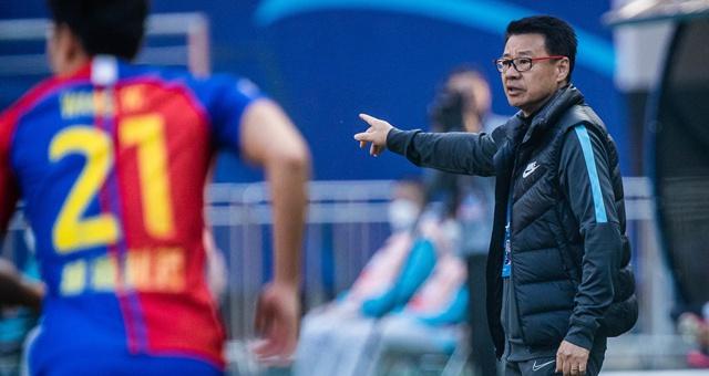 球员抱怨年薪仅30万 吴金贵:知足吧医生收入还没你们多