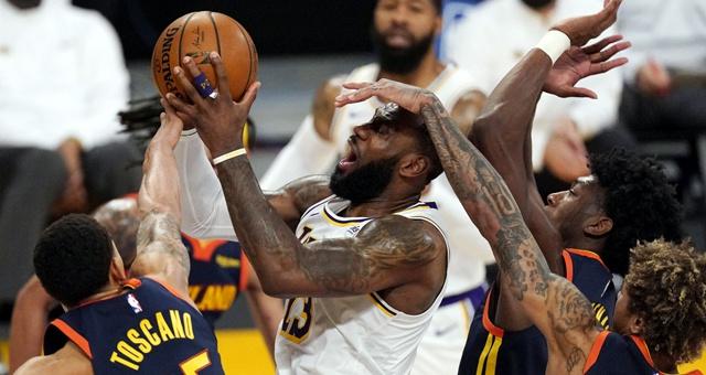 [NBA]勇士91-117湖人 詹姆斯24分钟19分打卡下班