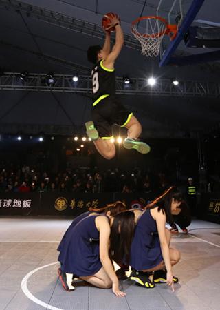 3X3黄金联赛厦门站 猛将飞跃啦啦队宝贝