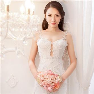同曦后卫与江苏女排张薇婚纱写真