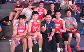 中国新浪队出征FIBA3x3挑战赛
