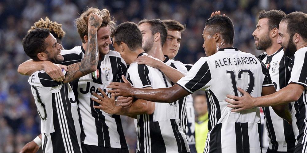 意甲-尤文图斯4-0卡利亚里 尤文众将庆祝胜利