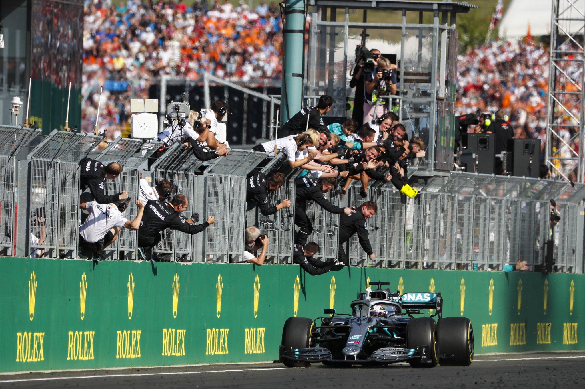 F1匈牙利站汉密尔顿夺冠 神策略成功逆转!