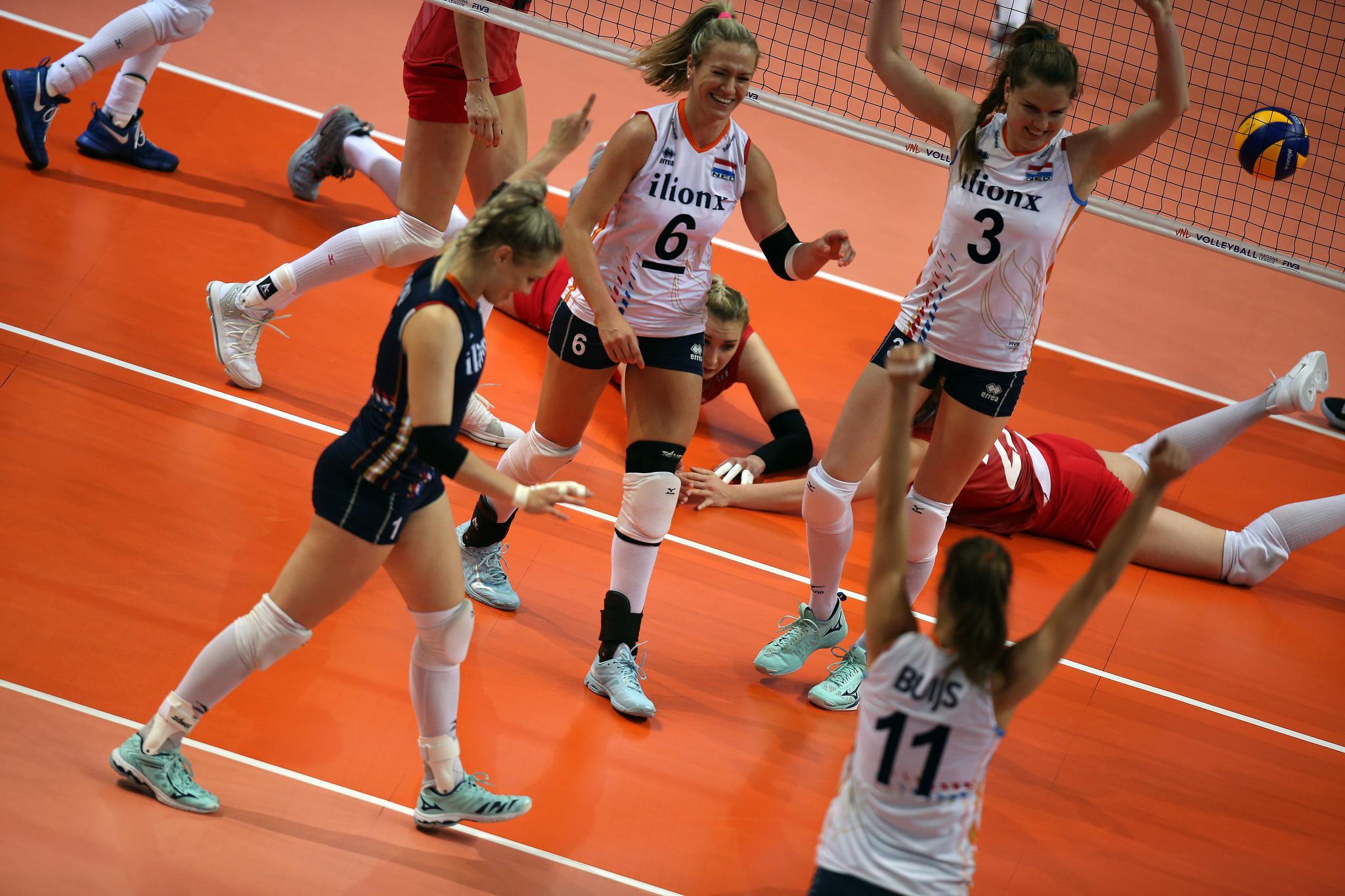 世联赛荷兰女排3-0俄罗斯