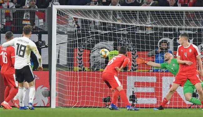 热身-罗伊斯助攻扳平 曼城飞翼躲过重伤 德国1-1