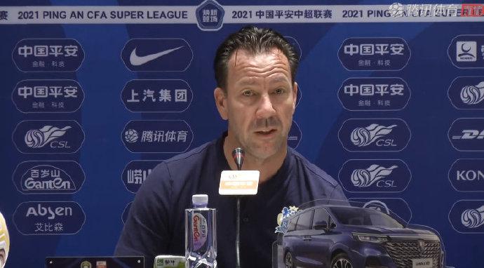 范加斯特:對陣深圳來檢驗實力 首發不會多上外援