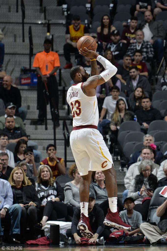 [NBA]詹姆斯职业生涯总得分突破3万分(15张)