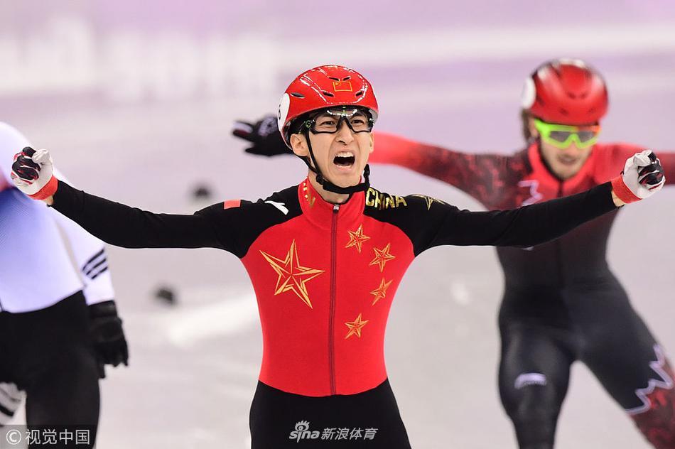 武大靖成为中国男子第三个冬奥会冠军