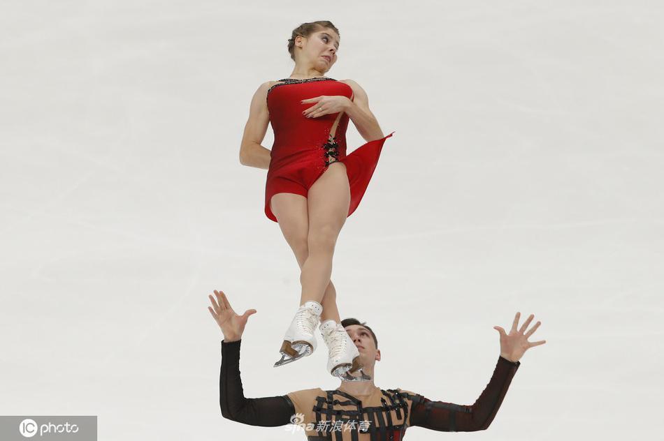 ISU俄罗斯花滑大奖赛双人自由滑赛况