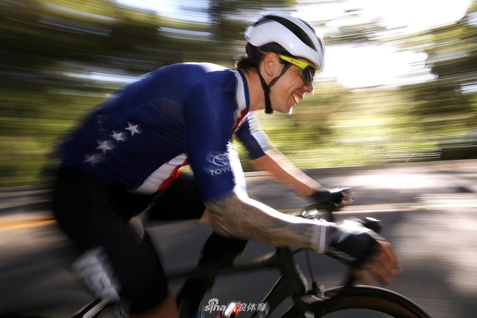 美国残奥自行车运动员训练备战