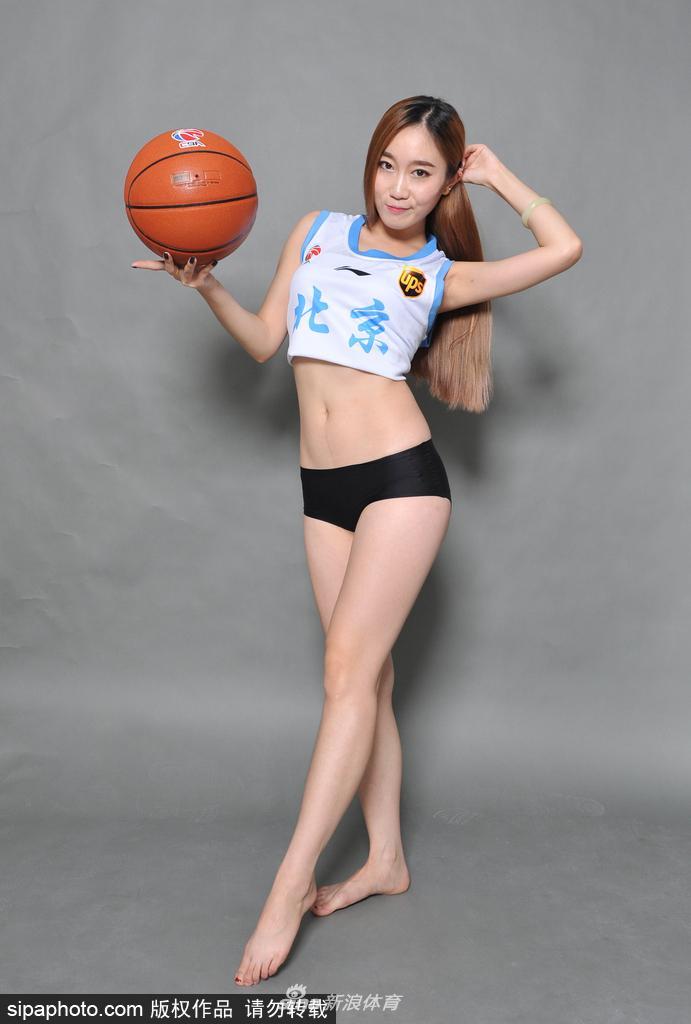 篮球宝贝拍写真秀曼妙身姿