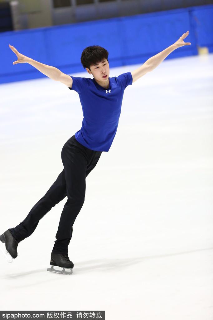 花样滑冰男子单人滑_中国花样滑冰队男子单人滑训练备战