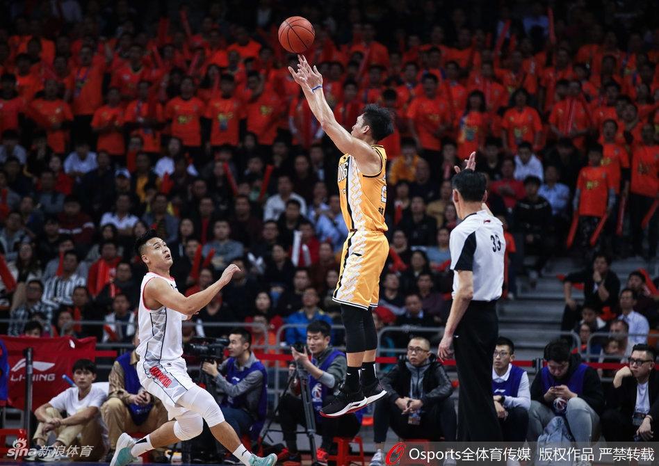 杜锋外示由于对手的许多外线脱手导致长篮板展现
