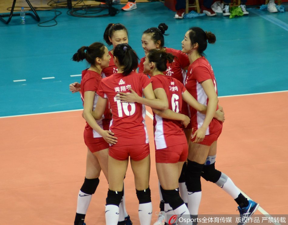 5月18日晚,2017年第13届全运会女排成年组预赛结束首日争夺.A