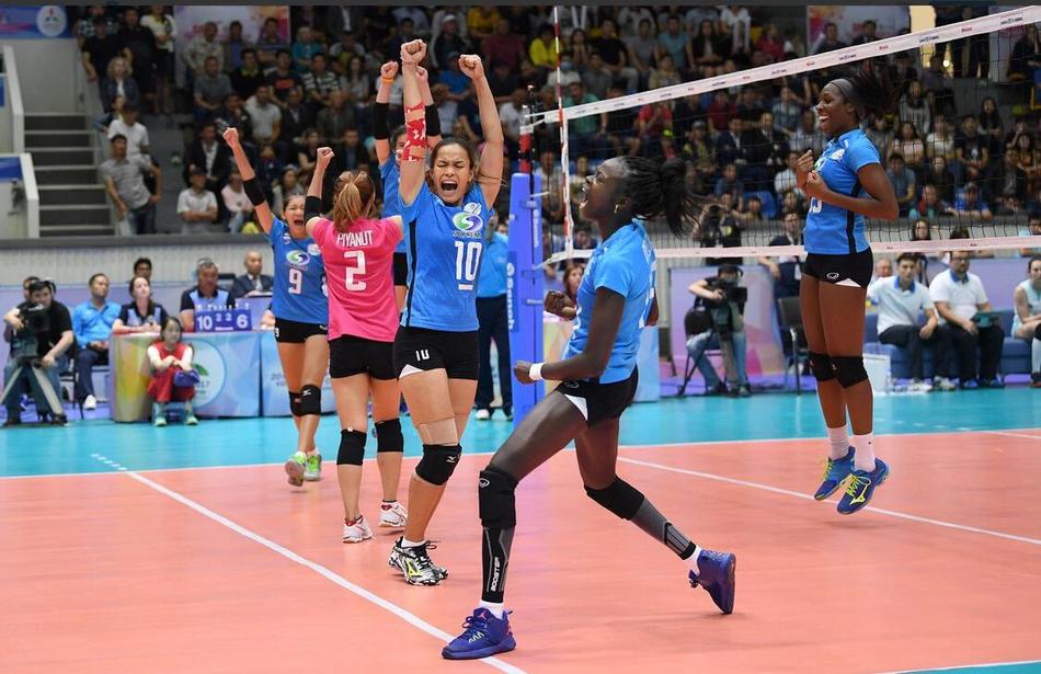 女排亚俱杯东道主2-3泰国冠军(8张)