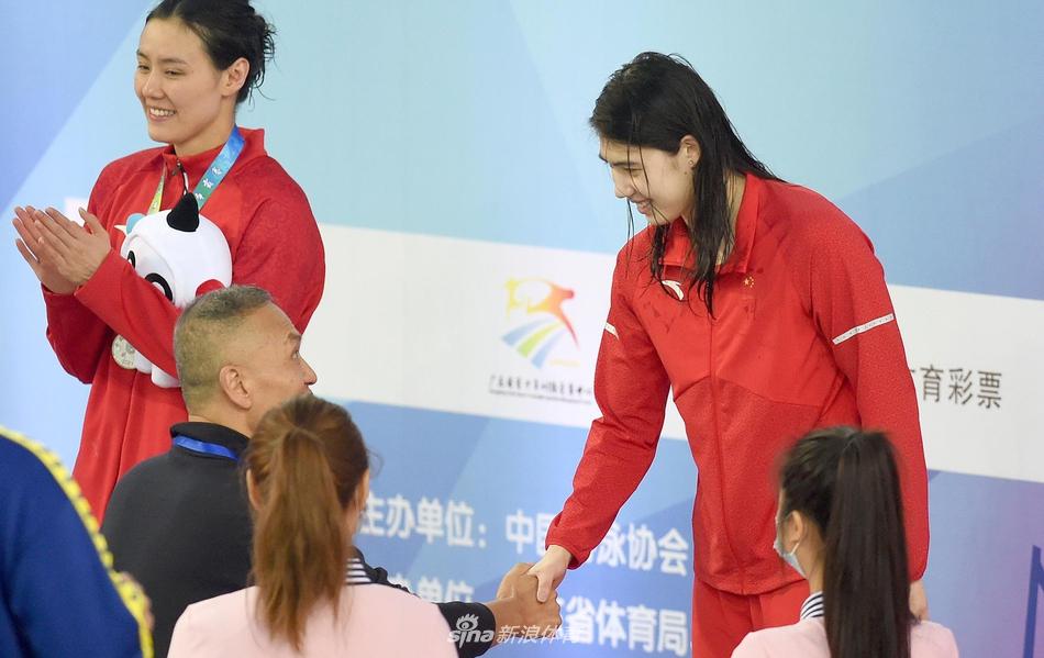 张雨霏化茧成蝶勇担当 接力为中国泳军带来新希望