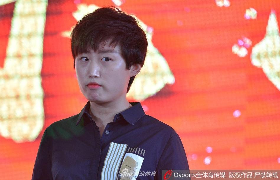 奥运乒乓球冠军郭跃惊艳亮相