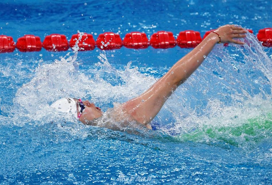 傅园慧100米仰泳游出全年最佳 要弥补体能短板