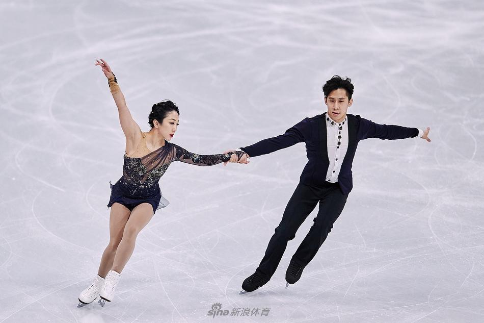 中国花样滑冰克服压力卧薪尝胆 蓄力北京冬奥会