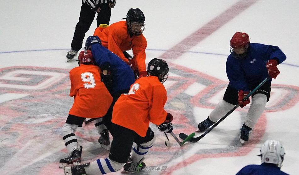 北京市青少年冰球队选拔复试进行